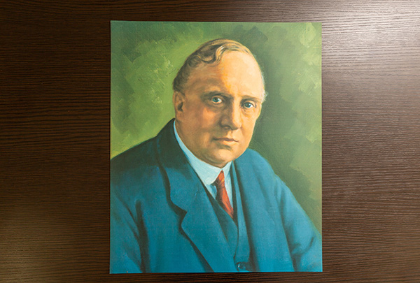 ランチェスター先生の肖像画